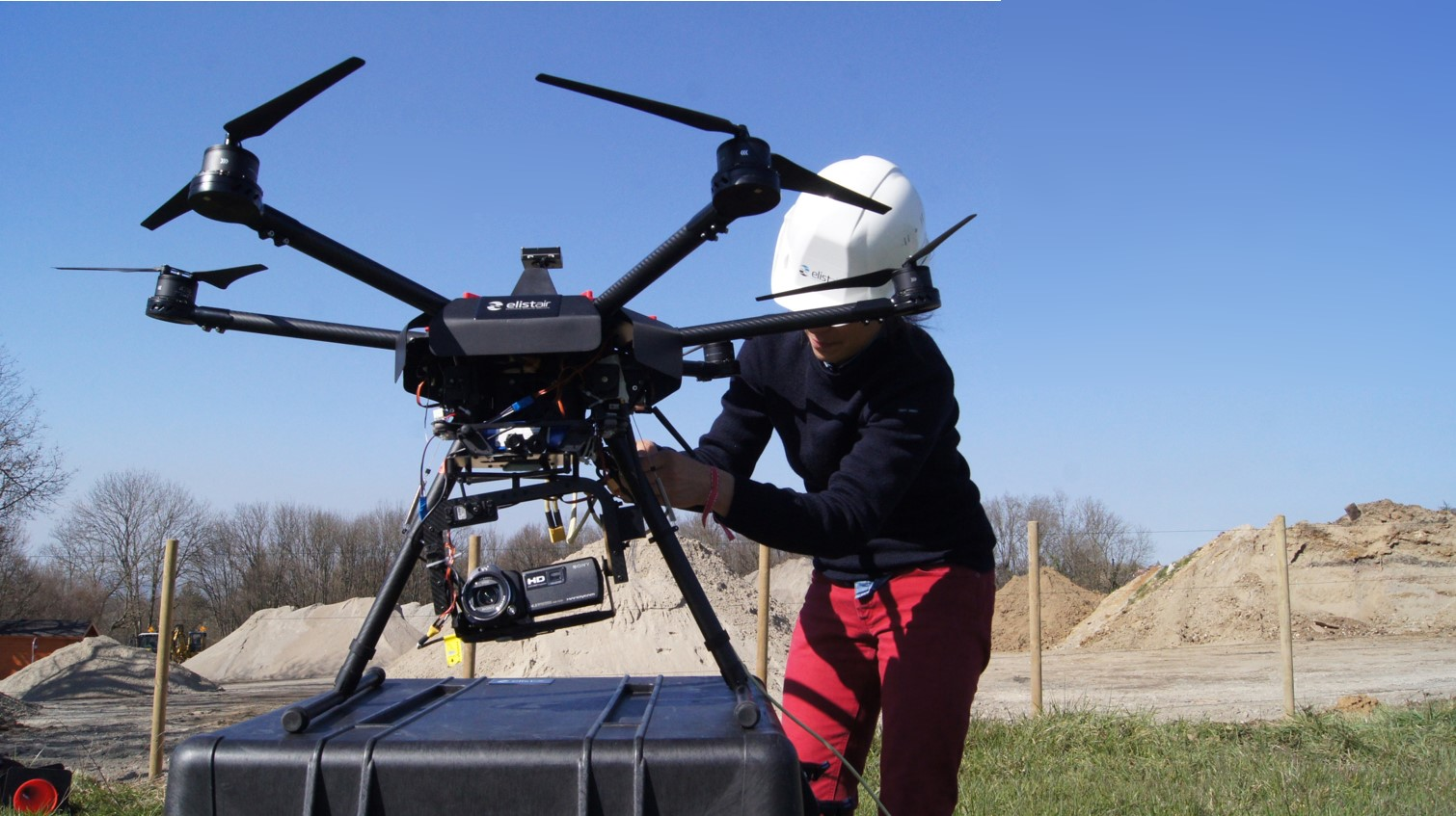 Elistair-tethered-drone-station-embarking-video-camera-for-road-traffic-monitoring-in-Lyon